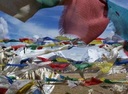 Preghiere nel vento! Le bandiere Tibetane.